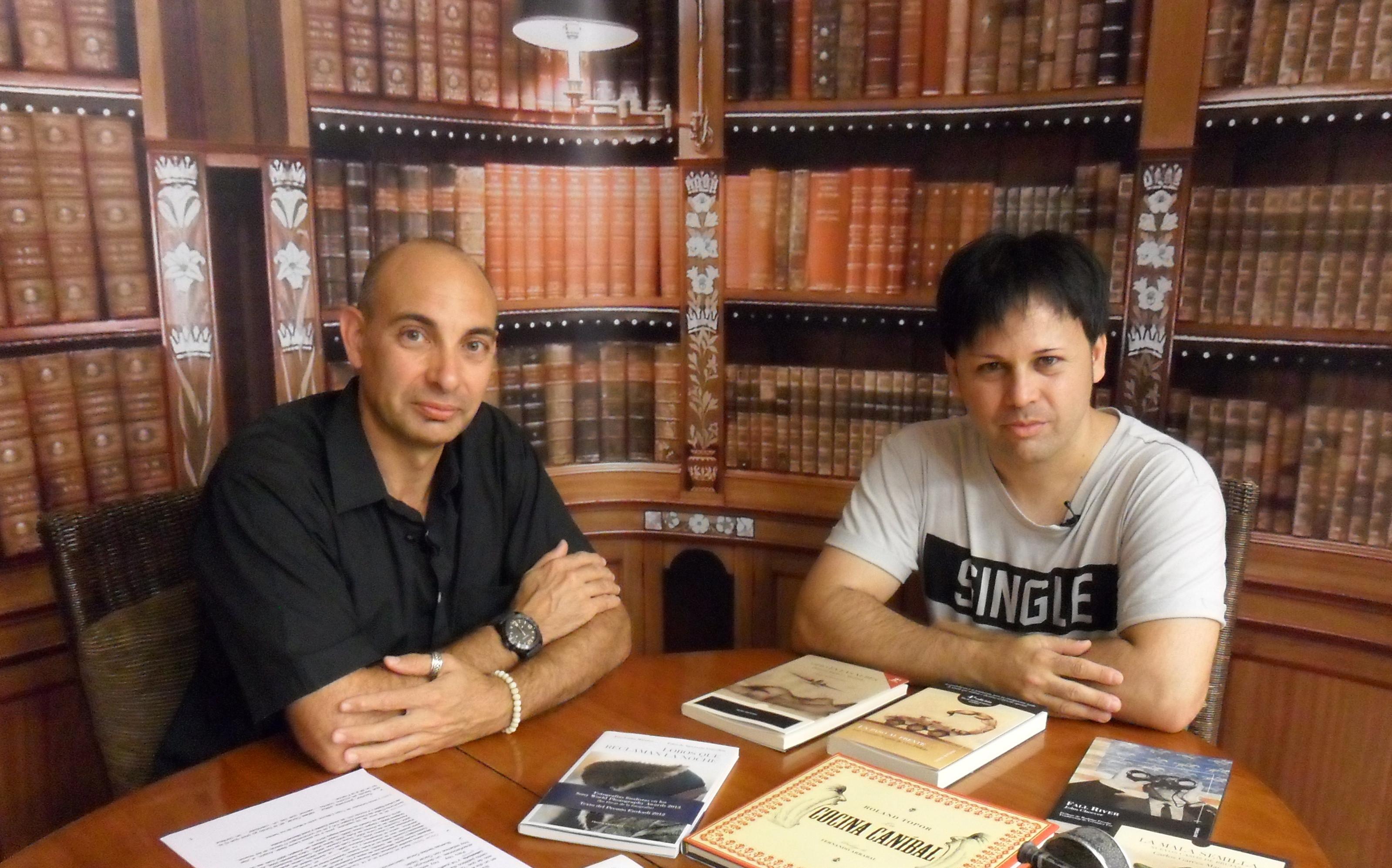 El Lobo Estepario. Raúl Tristán (izda.) entrevista a Óscar Sipán (dcha.)